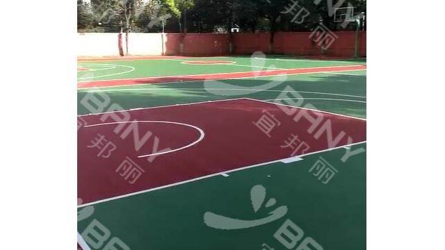 昆山鹿峰中学篮球场