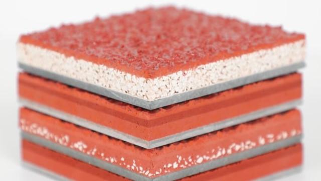 用EPDM塑胶颗粒材料制作的塑胶跑道有什么特点和优点